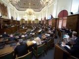 03.02.2012. Nacionālā identitāte: Saeima pieņem lēmumprojektu par latviešu valodas valstisko lomu