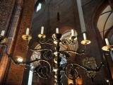 05.03.2012. Latvija: Rīgas Sv. Pētera baznīca atguvusi 16. gadsimtā darinātu svečturi