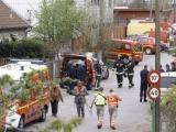 09.04.2012. Ārvalstīs/Francija: Iebrūkot lūgšanu nama grīdai, gājusi bojā sešgadīga meitene