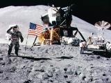 27.07.2012. Ārvalstīs: Čārlija Djūka soļi uz mēness un soļi pie Kristus