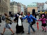 27.04.2015. Rīgas centrā – Doma laukumā norisinājās muzikāls flašmobs