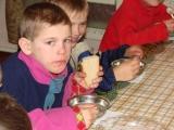 """Akcija """"Brīnumu takas"""" – brīnumu kastītes Ukrainas bāreņiem"""