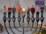 Kippalive apsveic ebreju svētkos Hanakuka
