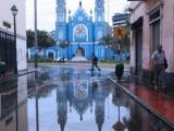 """""""Džoisas Meijeres kalpošana"""": Kristieši praktiski palīdz pārpludinātajos Peru krastos"""