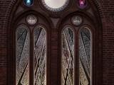 """Doma baznīcā atklāj barikāžu laikam veltīto vitrāžu """"Ar degsmi par brīvu Latviju"""""""