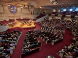 ASV draudze ziedo naudu iedzīvotāju parādu segšanai