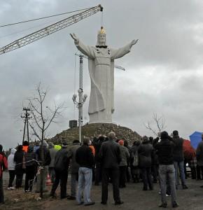 POLAND-RELIGION-BOLIVIA-BRAZIL-JESUS-20101106-162720
