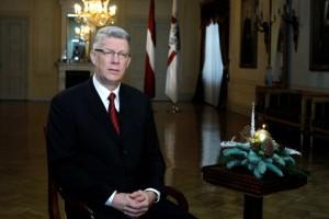 prezidenta_ziemassvetku_uzruna_2010_foto_latvijas_valsts-prezidenta_kanceleja